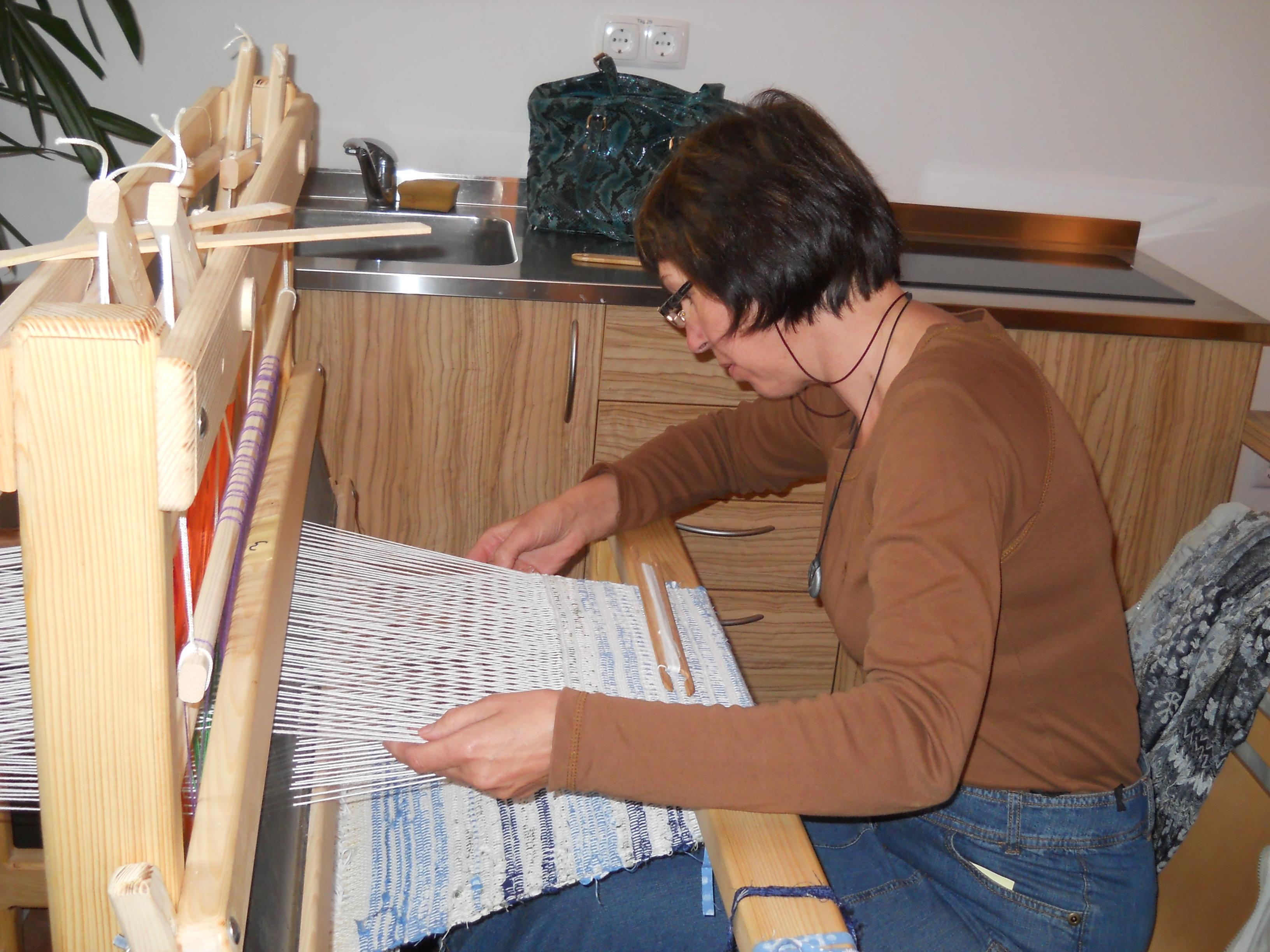 Osnovni tečaj ročnega tkanja na statvah – Kranj od 14. marca do 17. marca 2015