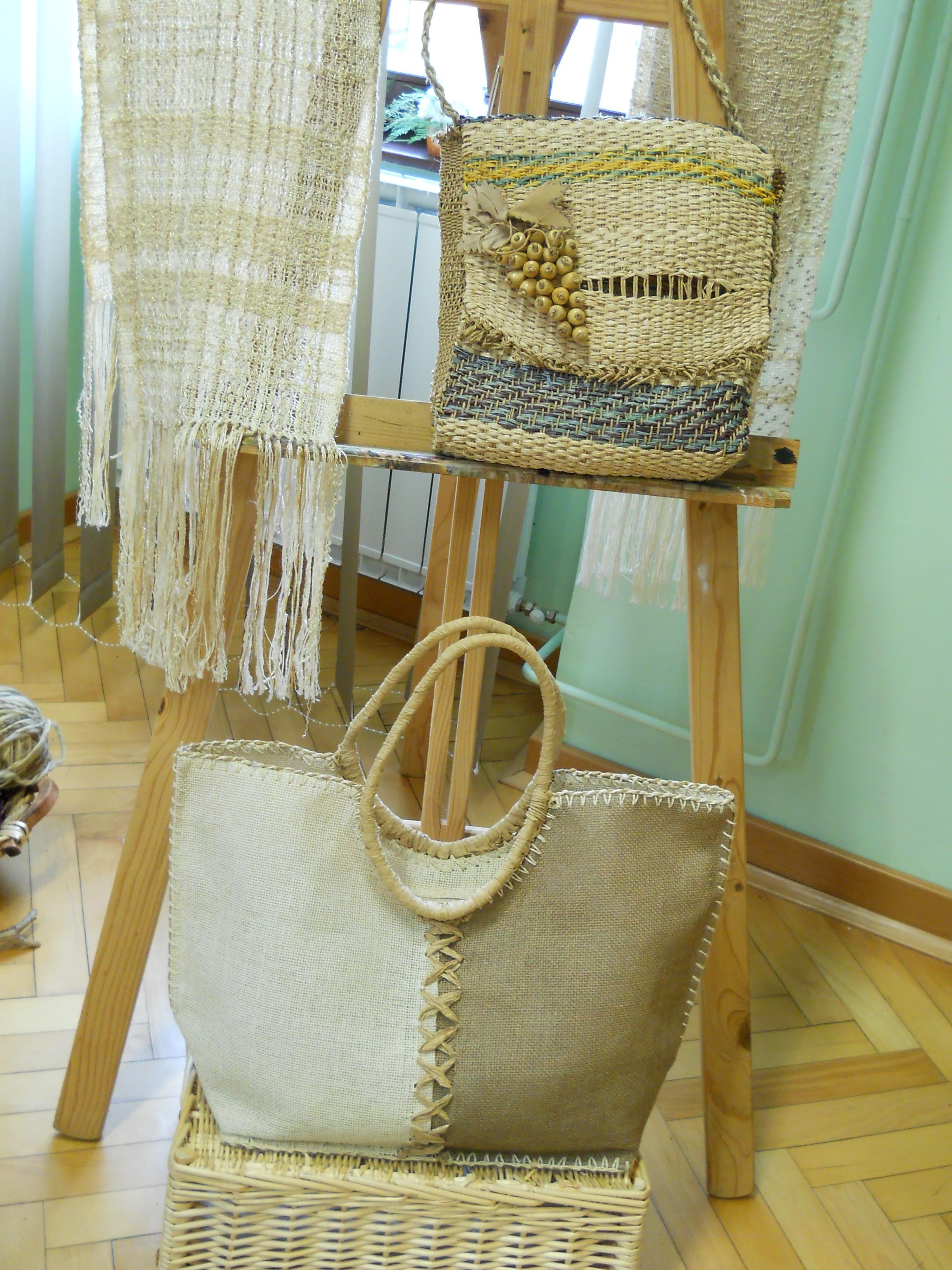 Prikaz unikatnega ročnega tkanja in razstava izdelkov, Pristava pri Tržiču, 28.2.2014