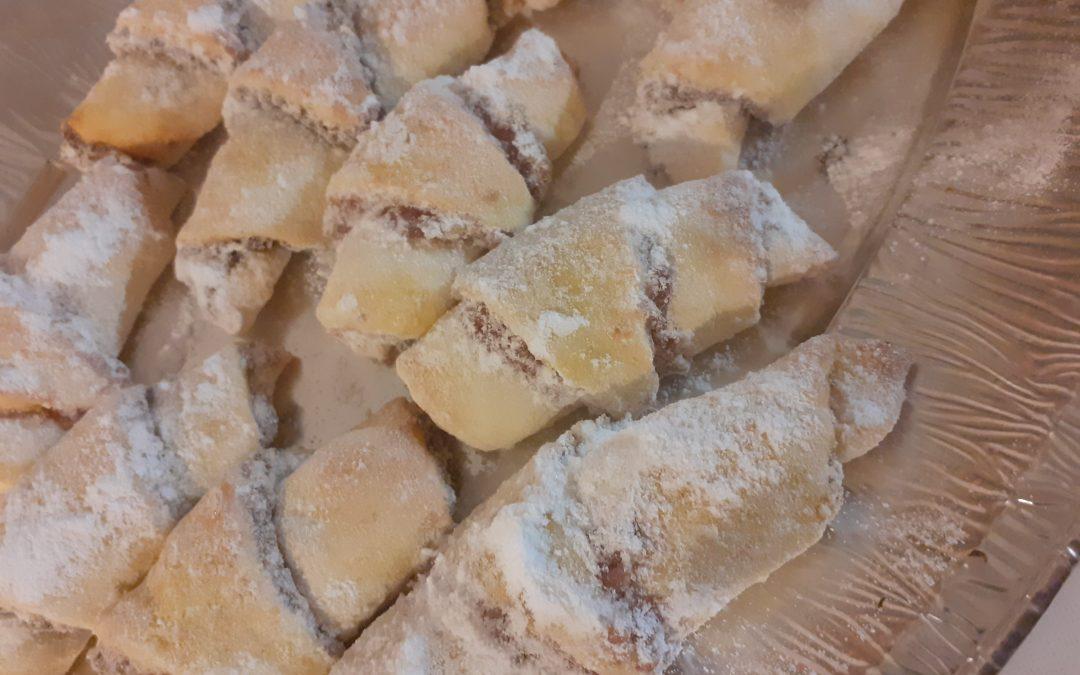 Ustvarjamo v domači kuhinji – peka prazničnih piškotov (ZOOM)